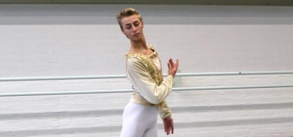 Bart Enegelen vertelt over zijn droom balletdanser te worden